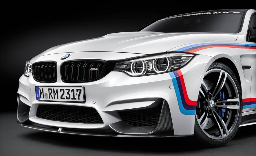 BMW M4 coupe with M performance parts - Slide 14
