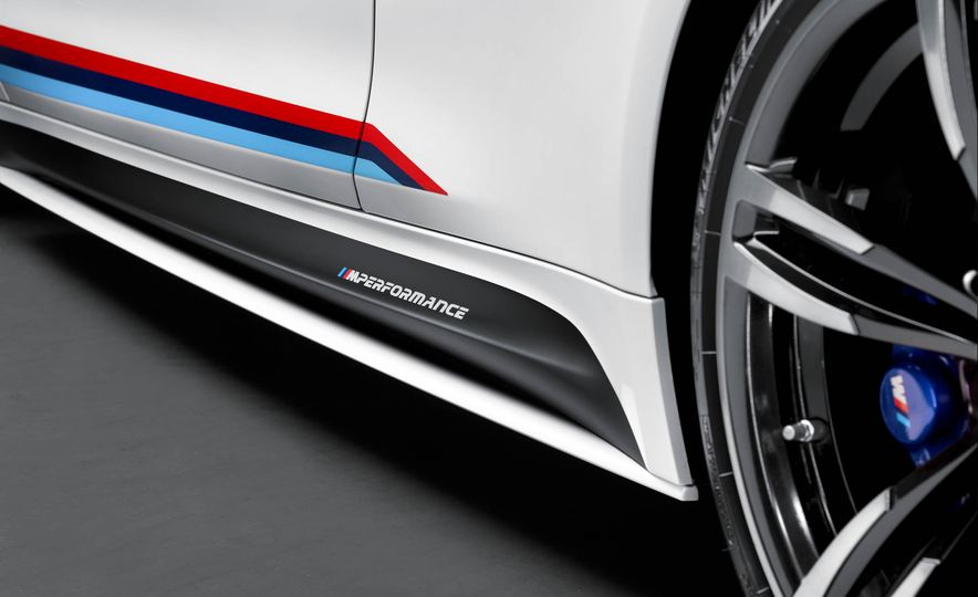 BMW M4 coupe with M performance parts - Slide 15