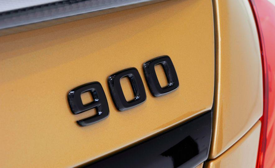 Brabus Rocket 900 Desert Gold Edition - Slide 15