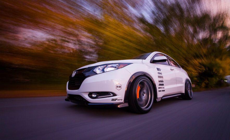Honda HR-V Fox Marketing concept - Slide 1