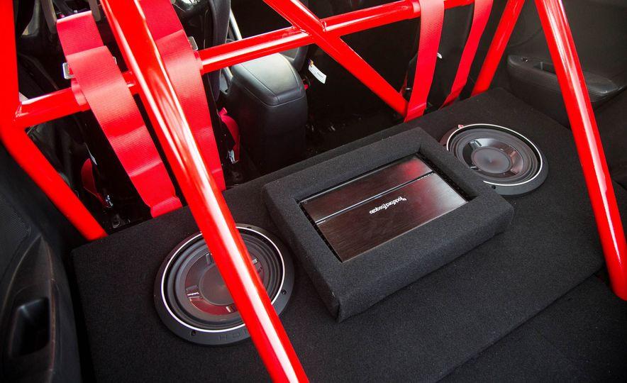 Hyundai Veloster Turbo Blood Type Racing concept - Slide 16