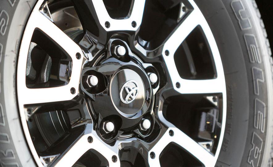 Toyota Tundrasine concept - Slide 9