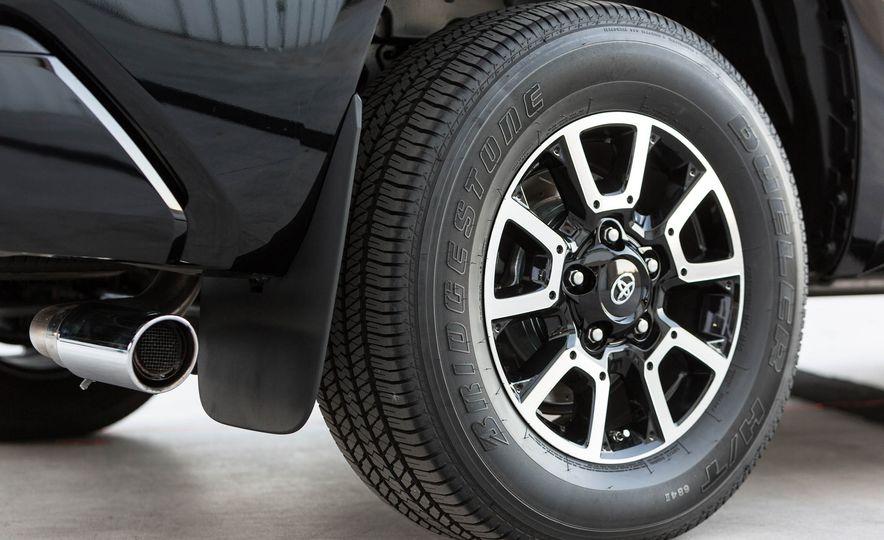 Toyota Tundrasine concept - Slide 10