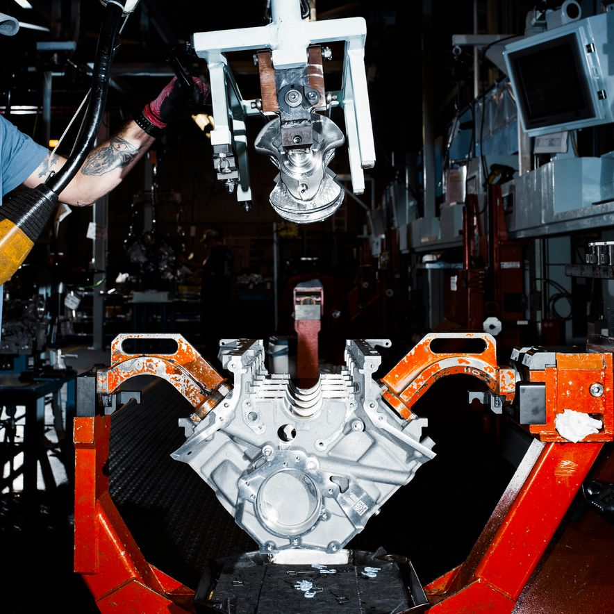 The Voodoo That They Do: Building the Ford Mustang Shelby GT350's Engine - Slide 3