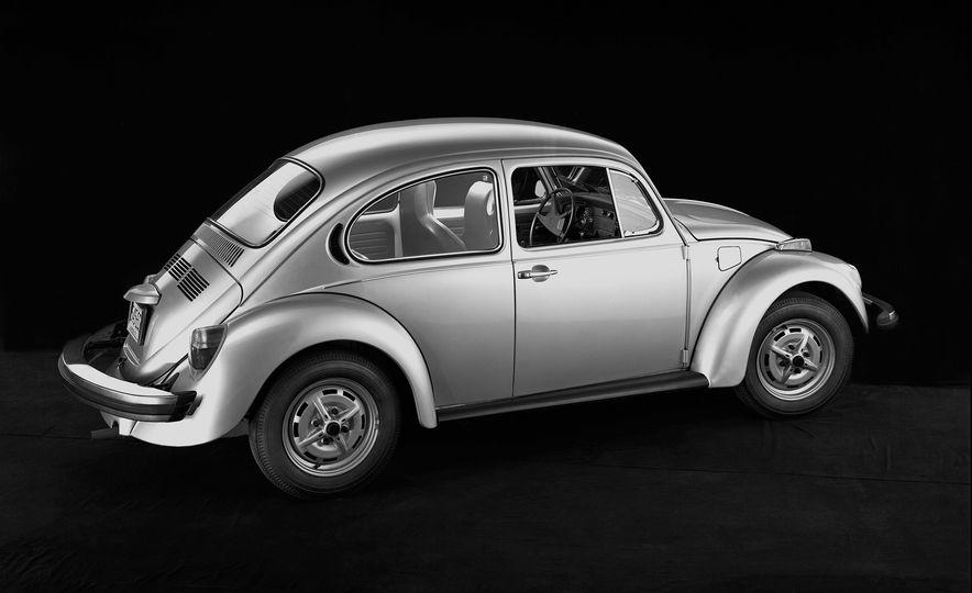The Bug's Life: A History of the Volkswagen Beetle - Slide 27