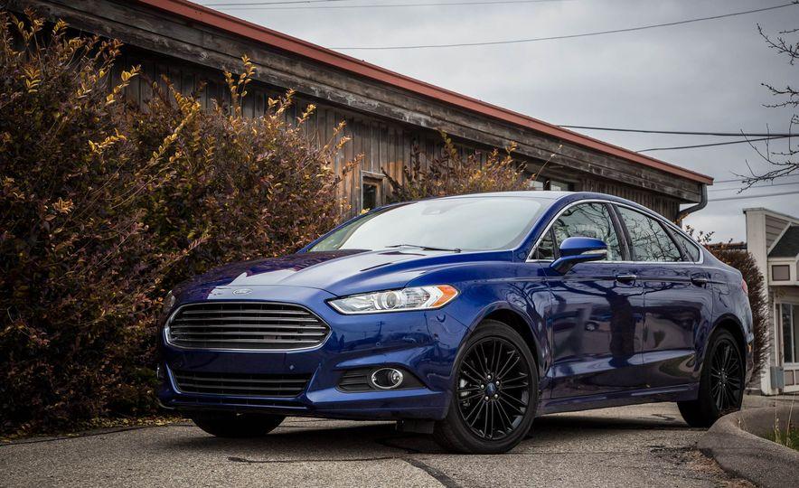 2016 Ford Fusion SE - Slide 7