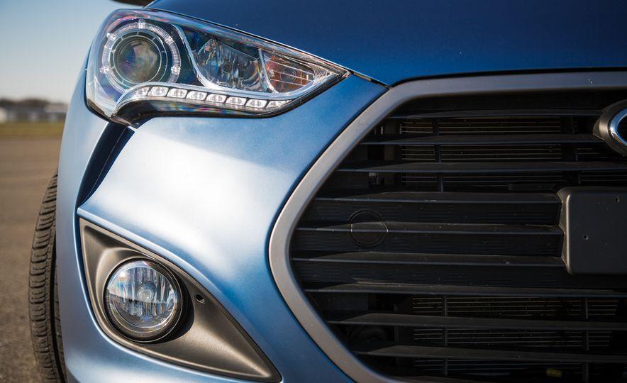 2016 Hyundai Veloster Turbo Rally Edition - Slide 17