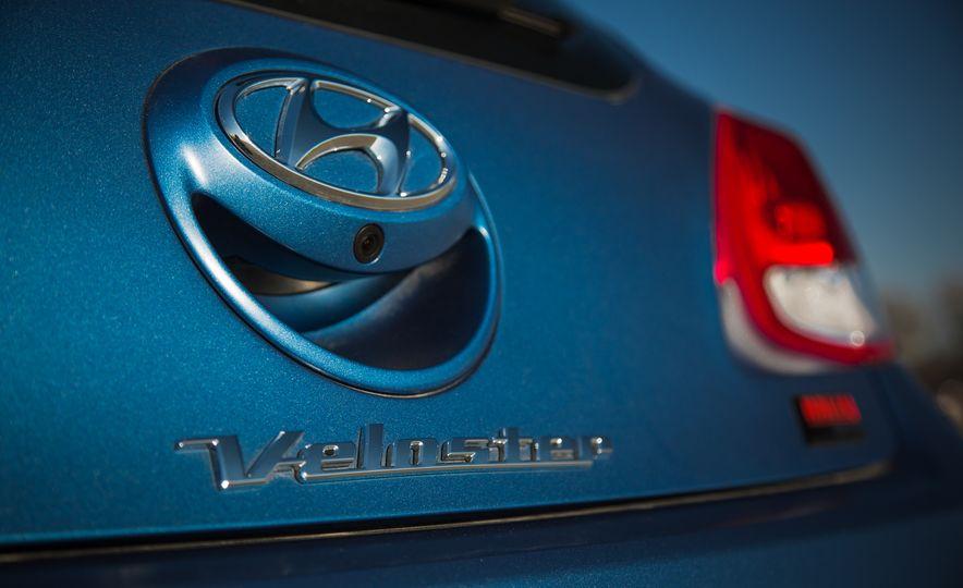 2016 Hyundai Veloster Turbo Rally Edition - Slide 24