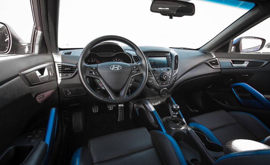 2016 Hyundai Veloster Turbo Rally Edition - Slide 28