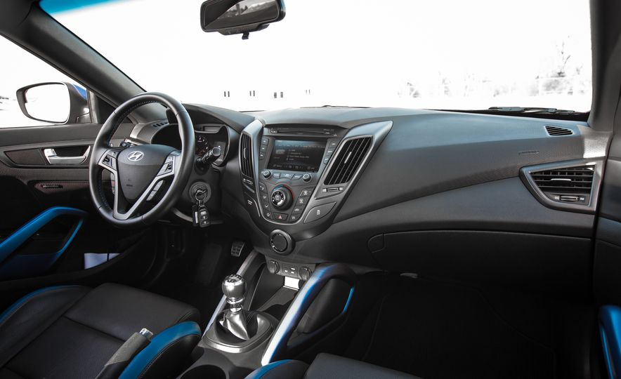 2016 Hyundai Veloster Turbo Rally Edition - Slide 29