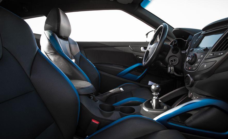 2016 Hyundai Veloster Turbo Rally Edition - Slide 30