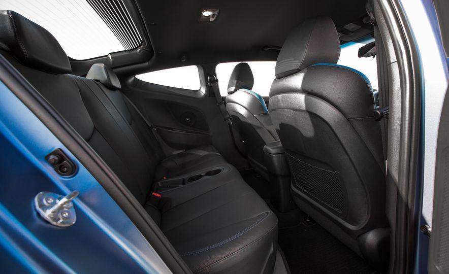 2016 Hyundai Veloster Turbo Rally Edition - Slide 32