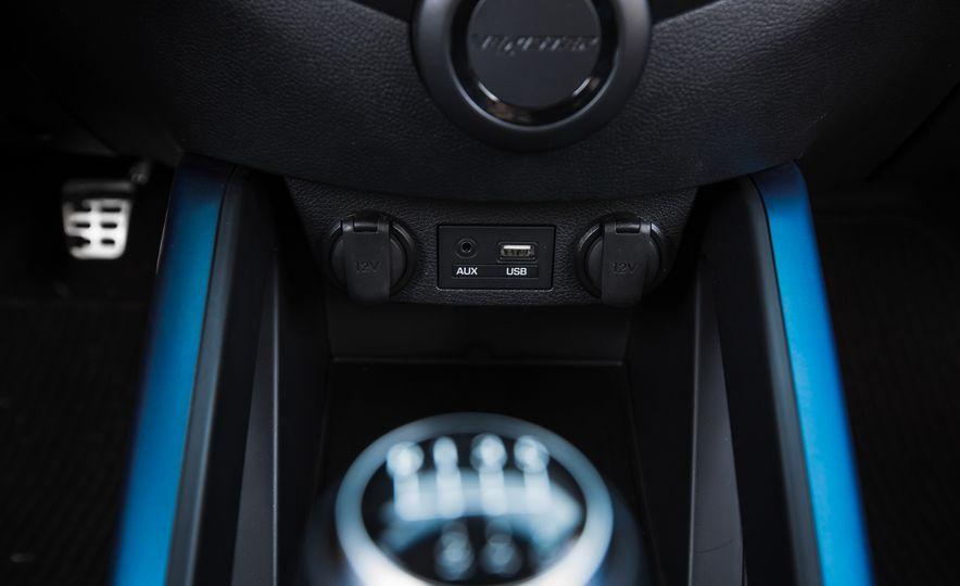 2016 Hyundai Veloster Turbo Rally Edition - Slide 38