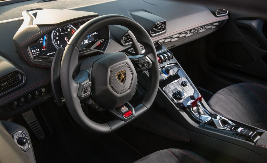 2016 Lamborghini Huracán LP580-2 - Slide 15