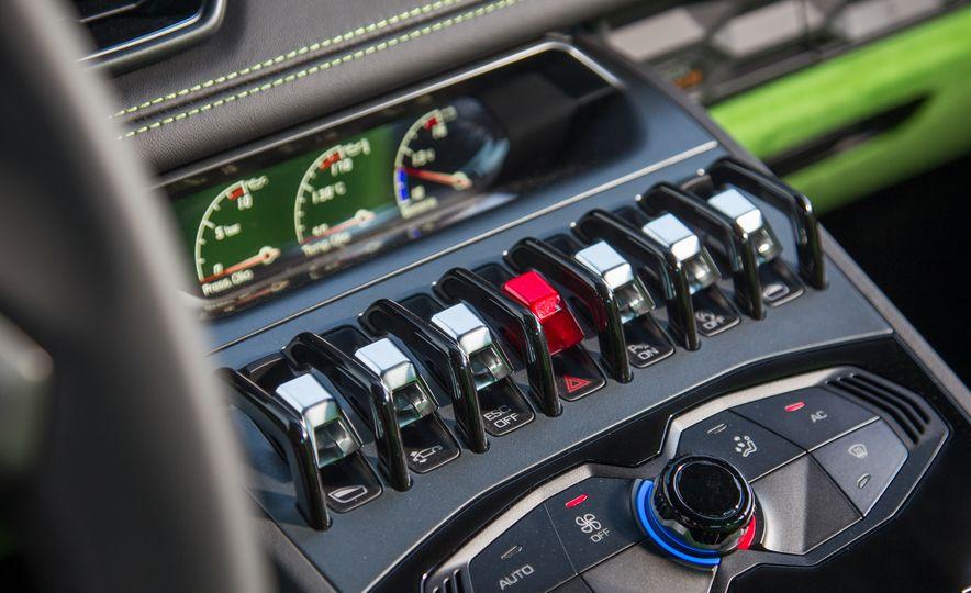 2016 Lamborghini Huracán LP580-2 - Slide 31