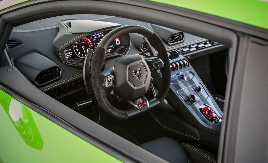 2016 Lamborghini Huracán LP580-2 - Slide 38
