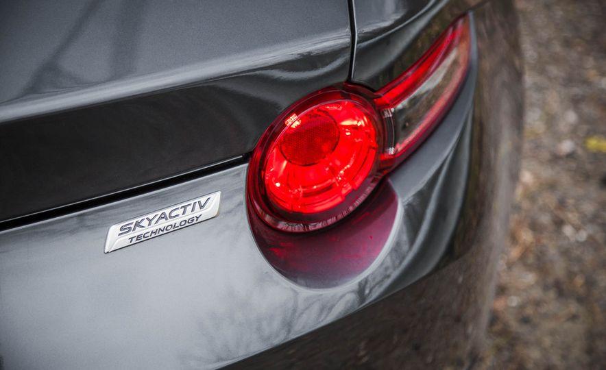 2016 Mazda MX-5 Miata - Slide 24