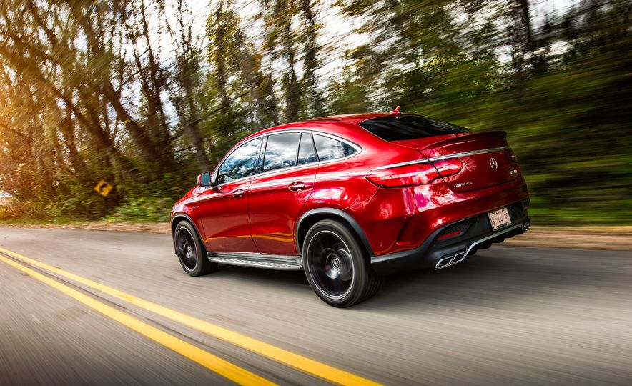 2015 BMW X6 M and 2016 Mercedes-AMG GLE63 S coupe - Slide 21