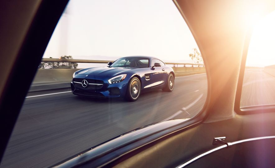 Picture This: Our 25 Hottest Car Photos of the Year! - Slide 8