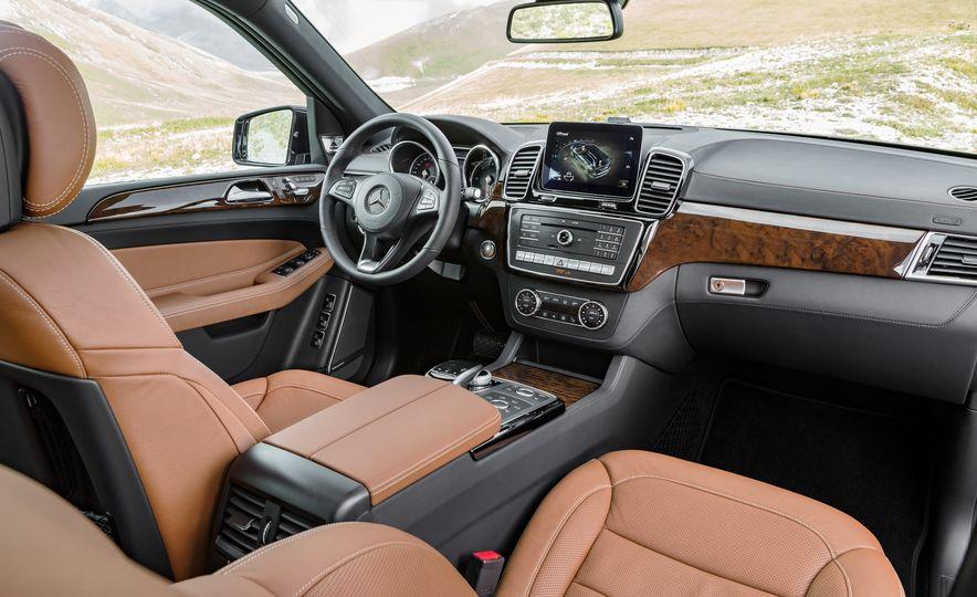 2017 Mercedes-Benz GLS350d - Slide 9