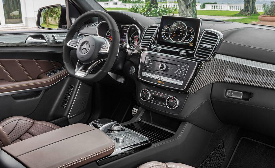 2017 Mercedes-Benz GLS350d - Slide 18