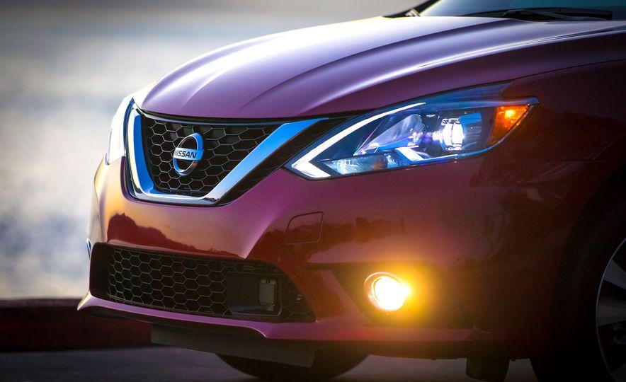 2016 Nissan Sentra - Slide 10