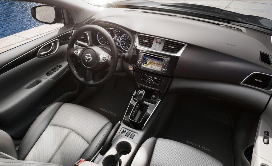 2016 Nissan Sentra - Slide 17