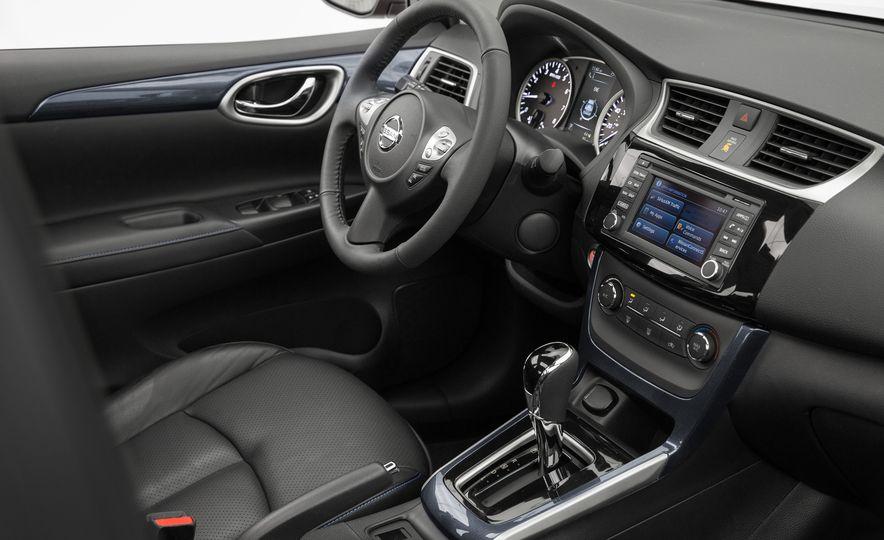 2016 Nissan Sentra - Slide 18