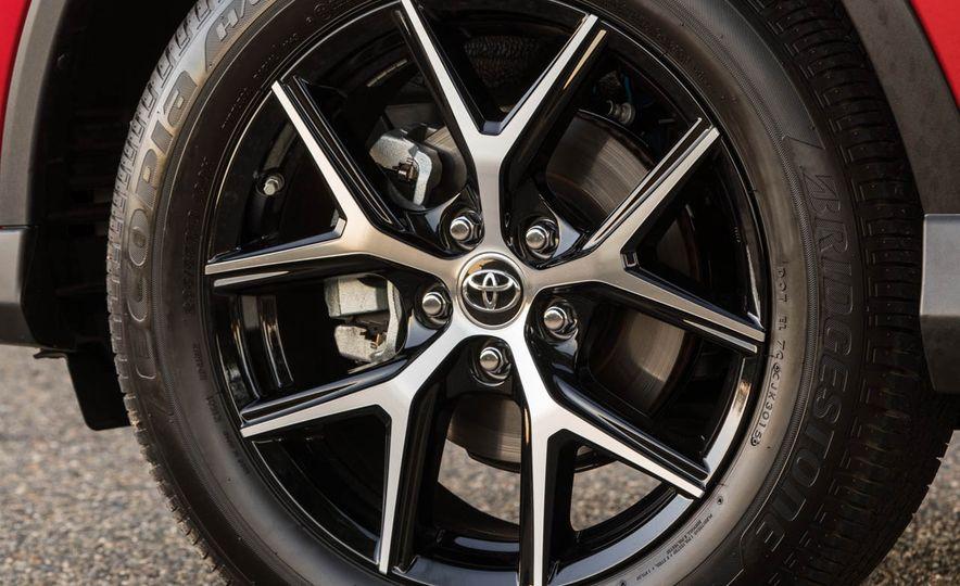 2016 Toyota RAV4 SE - Slide 16