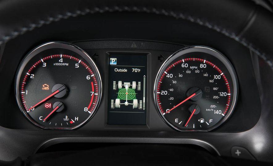 2016 Toyota RAV4 SE - Slide 21
