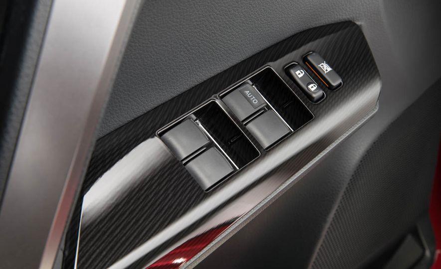 2016 Toyota RAV4 SE - Slide 25