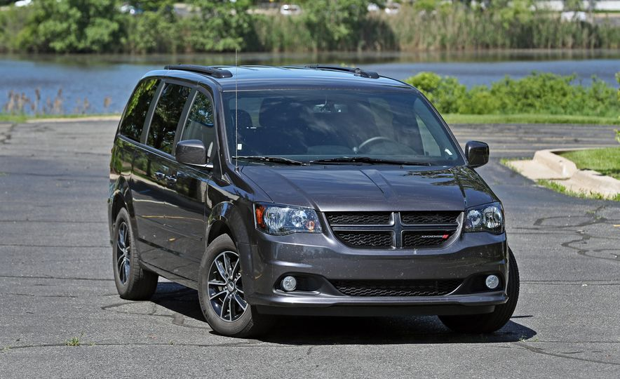 Top Boxes: Every Minivan Ranked from Worst to Best - Slide 2