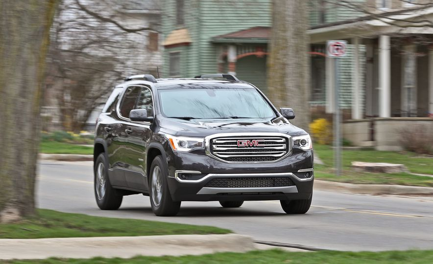 Triplicate: Three-Row Mid-Size Crossovers and SUVs Ranked from Worst to Best - Slide 9
