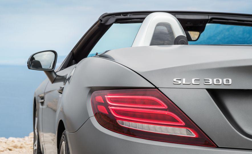 2017 Mercedes-Benz SLC - Slide 25