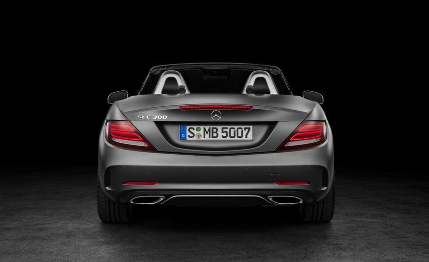 2017 Mercedes-Benz SLC - Slide 36