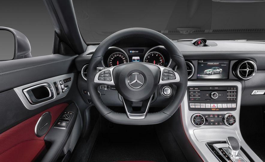 2017 Mercedes-Benz SLC - Slide 38