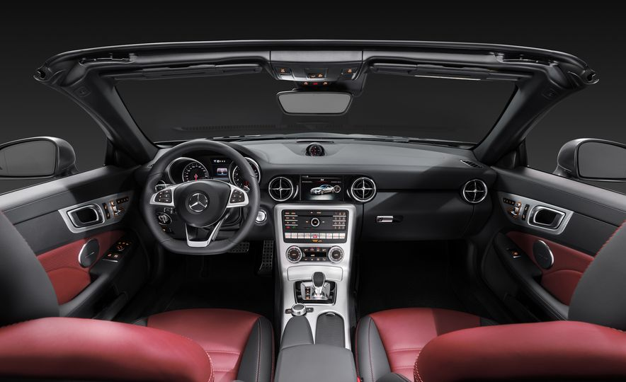 2017 Mercedes-Benz SLC - Slide 39