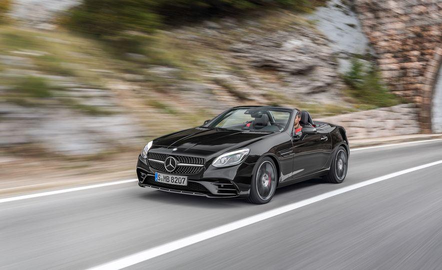 2017 Mercedes-Benz SLC - Slide 43