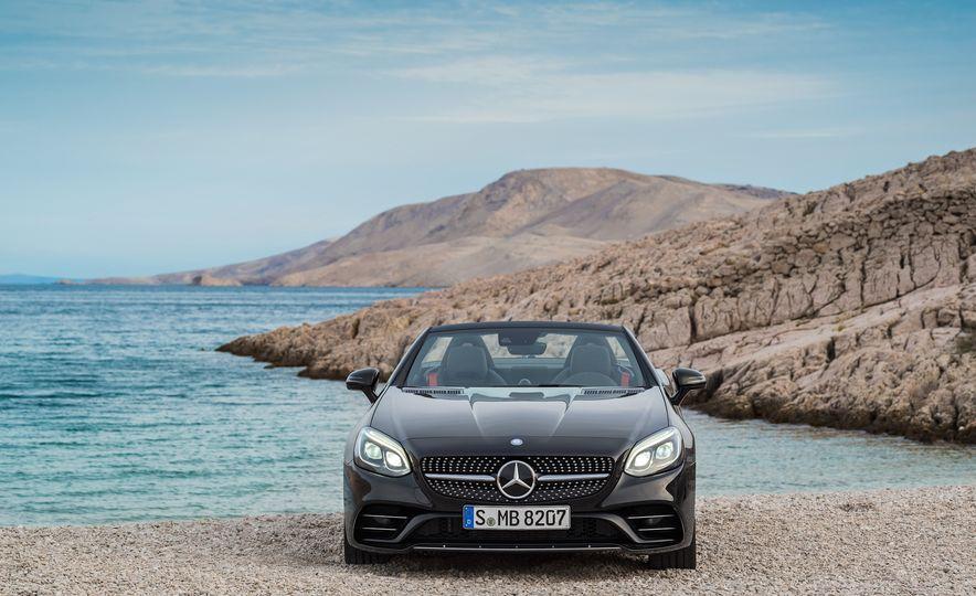 2017 Mercedes-Benz SLC - Slide 51