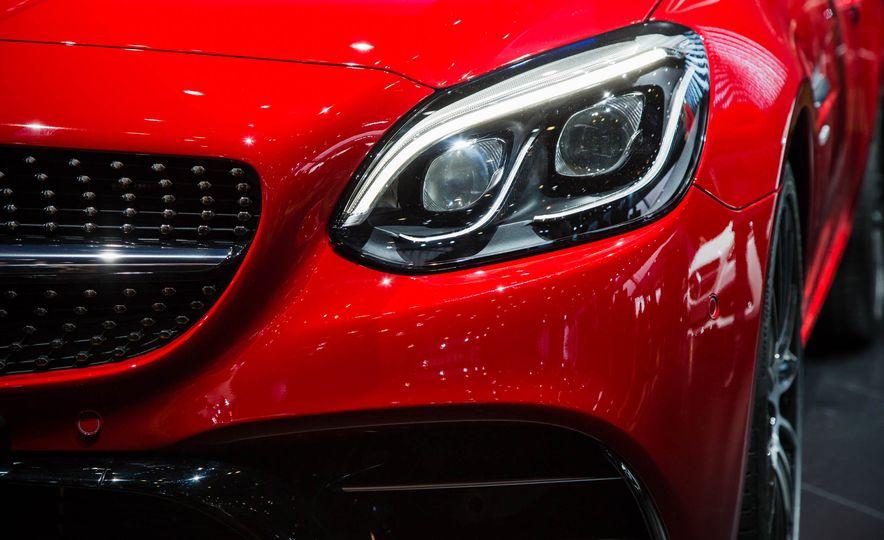 2017 Mercedes-Benz SLC - Slide 7