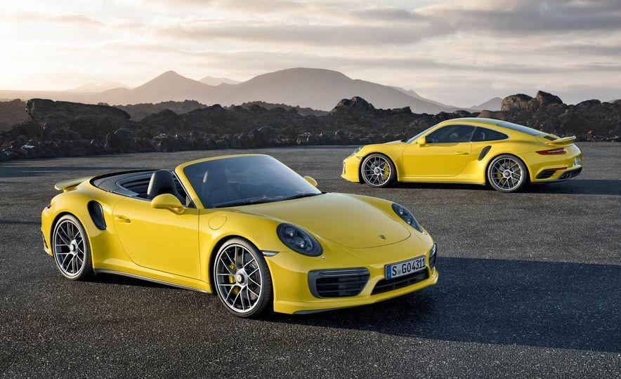 2017 Porsche 911 Turbo - Slide 13