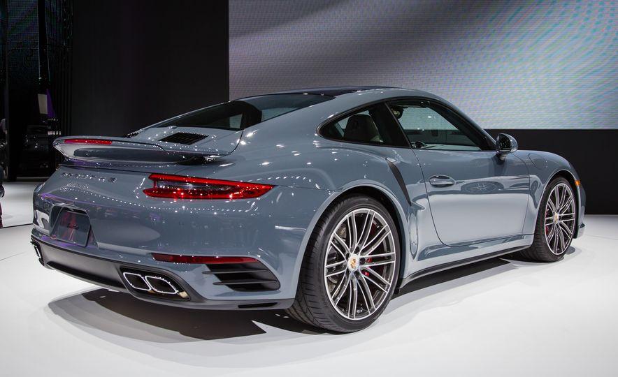 2017 Porsche 911 Turbo - Slide 3