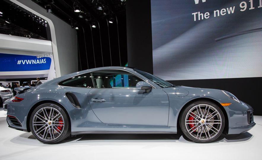 2017 Porsche 911 Turbo - Slide 4
