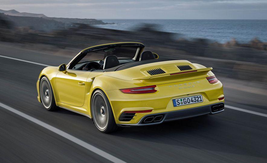 2017 Porsche 911 Turbo - Slide 19