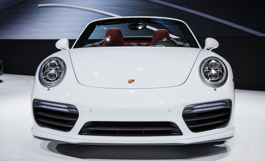 2017 Porsche 911 Turbo - Slide 8