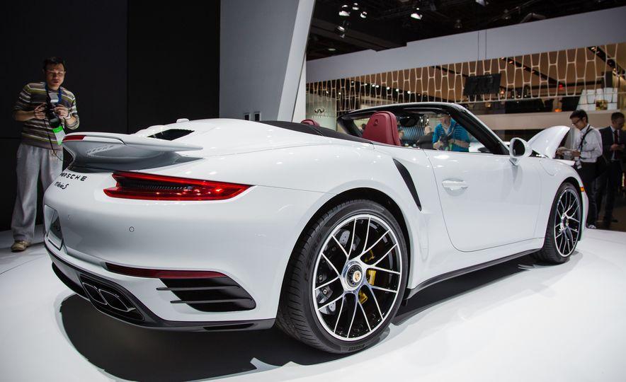 2017 Porsche 911 Turbo - Slide 10