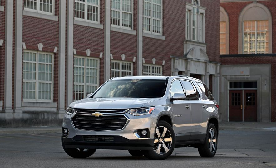 Triplicate: Three-Row Mid-Size Crossovers and SUVs Ranked from Worst to Best - Slide 13