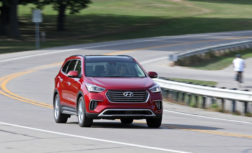 Triplicate: Three-Row Mid-Size Crossovers and SUVs Ranked from Worst to Best - Slide 7