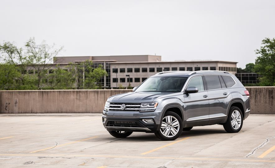 Triplicate: Three-Row Mid-Size Crossovers and SUVs Ranked from Worst to Best - Slide 14