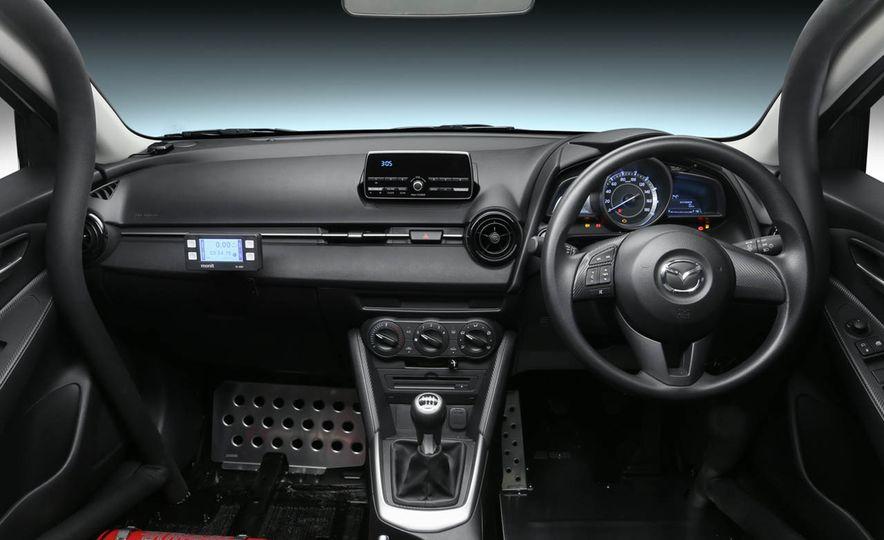 Mazda MX-5 NR-A racing spec concept - Slide 7